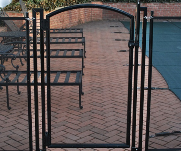 self-closing, self-latching pool gate