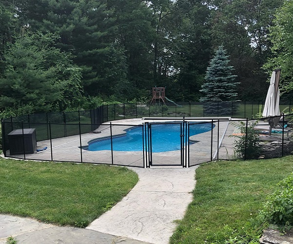 Life Saver pool fencing in black mesh